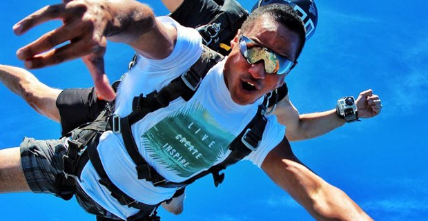 Skydive Hawaii - Oahu Skydiving at its best  Do a Tandem